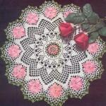 çeyizlik pembe çiçekli şık dantel sehpa takımı modeli