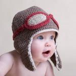 bebek örgü şapka çeneden bağlamalı