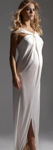 beyaz renkli çapraz askılı hamile abiye modeli