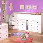 beyaz renkli basamaklı kullanışlı çekmeceli kız çocuk odası modelleri