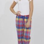 beyaz renkli ekoseli lc waikiki bayan pijama takımı modeli