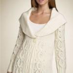 beyaz renkli geniş yakalı bayan tunik modeli