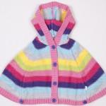 düz örgülü renkli şeritli kız çocuk panço kapişonlu modeli