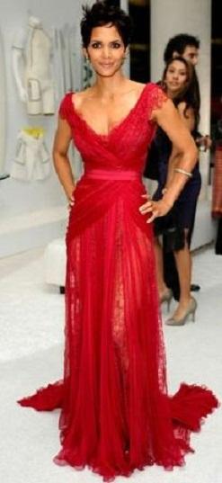 geniş halterci yakalı tüllü şifon kırmızı abiye elbise modeli