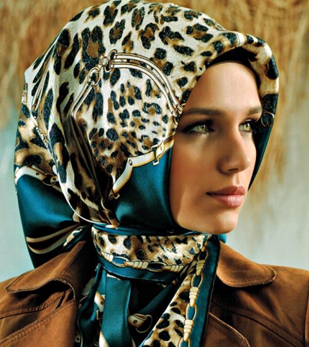 leopar desenli kışlık armine eşarp başörtü modeli