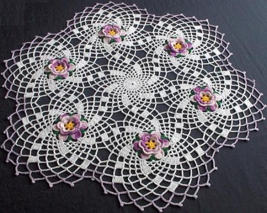rüzgar gülü desenli katlı çiçekli çeyizlik dantel sehpa takımı modeli